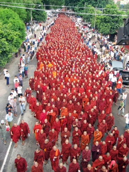 Burmese monks take to the streets
