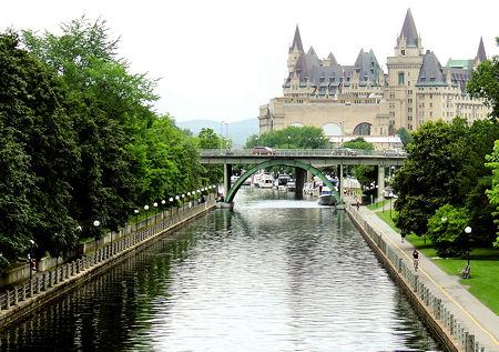 Rideau Canal, Chateau Laurier